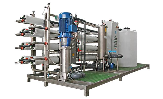 Reverse osmosis system with 8 inch membranes on skid