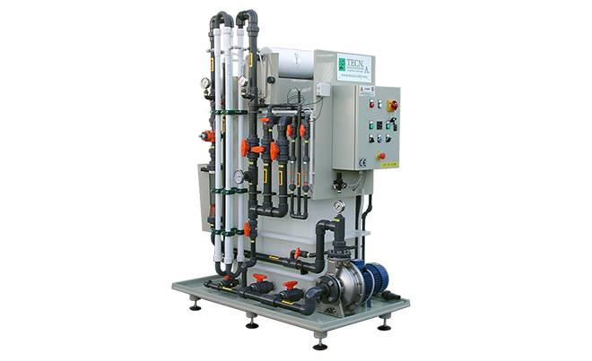 Ultrafiltration system with tubular membranes and paper filter on skid